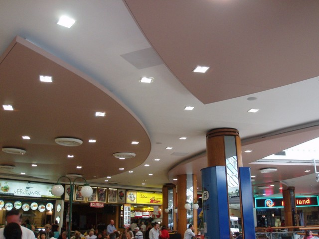 Punta Carretas Shopping - Plaza de comidas